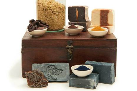 Soap making with natural dyes